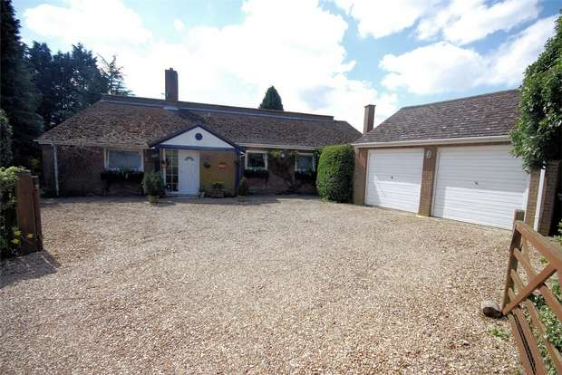 3 Bedrooms Detached Bungalow for sale in Bowood Lane, Wendover Dean, Bucks