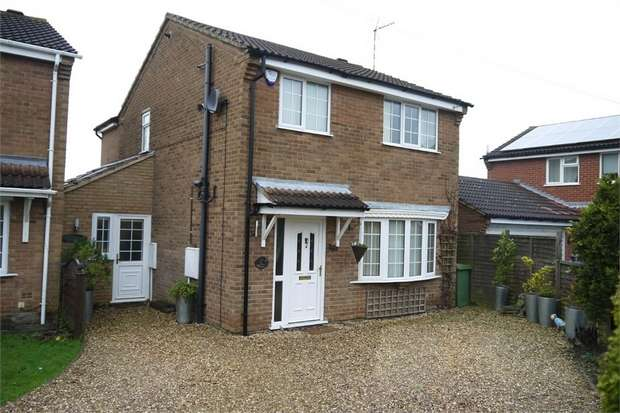 3 Bedrooms Detached House for sale in Edward Road, Fleckney, Leicester