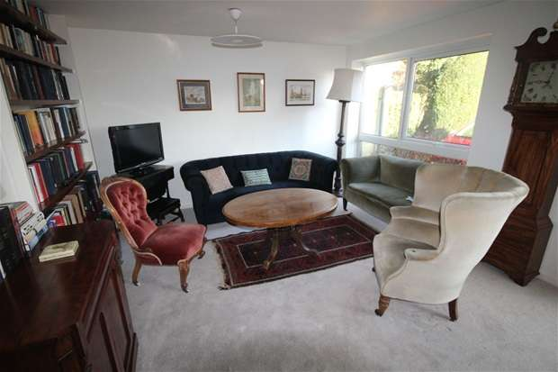 Property for sale in Aplins Close, Harpenden