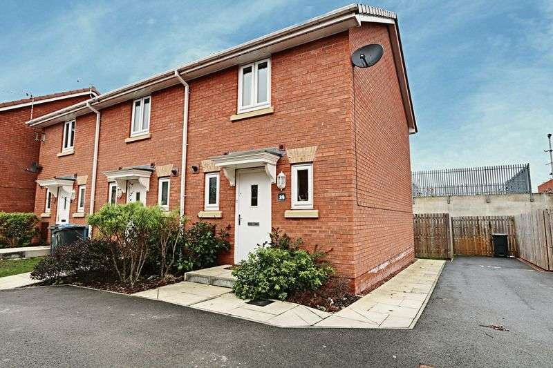 2 Bedrooms Terraced House for sale in Dovestone Way, Kingswood