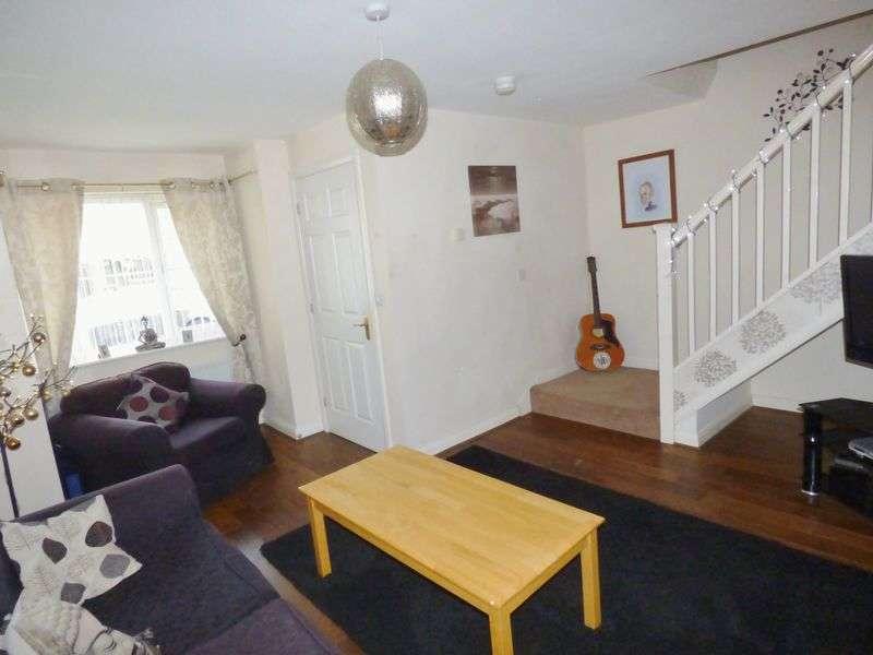 3 Bedrooms Semi Detached House for sale in Blenheim Close, Warrington