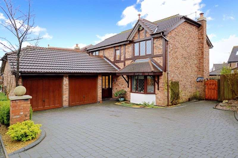 4 Bedrooms Detached House for sale in Finsbury Drive, Priorslee, Telford, Shropshire.
