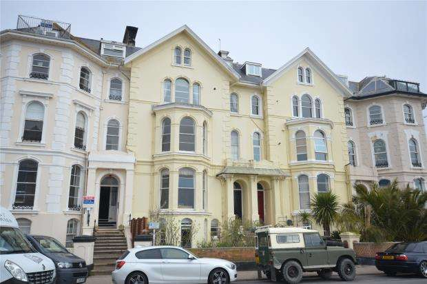 2 Bedrooms Flat for sale in Arlington House, 2 South View, Teignmouth, Devon