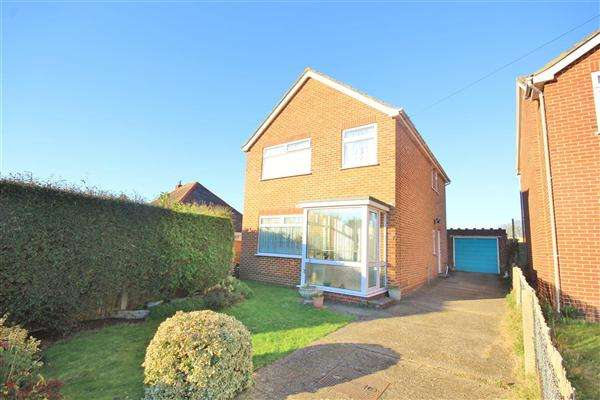 3 Bedrooms Detached House for sale in Rossmore Road, Poole