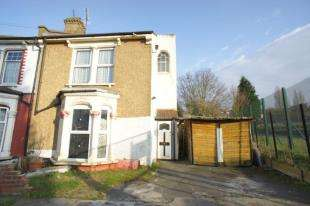 4 Bedrooms End Of Terrace House for sale in Whitworth Road, Plumstead, London, Uk