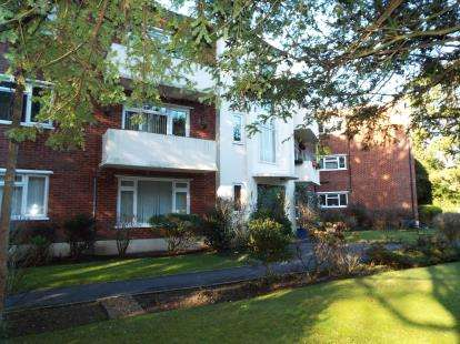 2 Bedrooms Flat for sale in 1 Portarlington Road, Bournemouth, Dorset