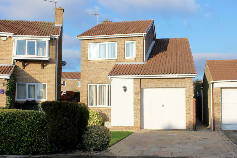 3 Bedrooms Detached House for sale in Danescroft, Selby