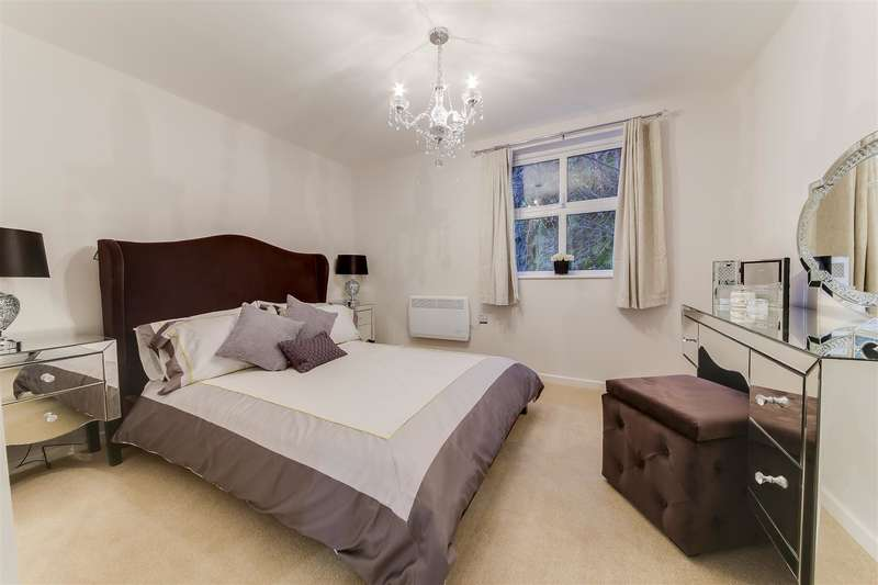 2 Bedrooms Property for sale in Holcombe Road, Helmshore, Rossendale