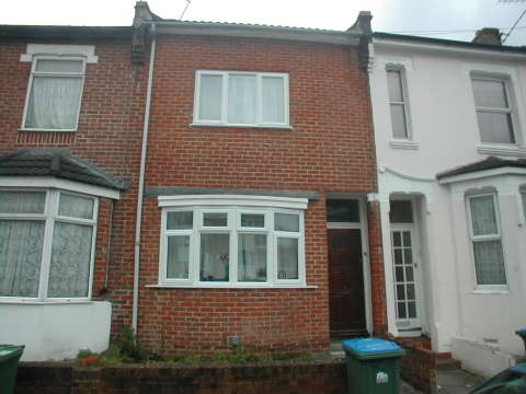 6 Bedrooms Detached House for rent in Woodside Road,