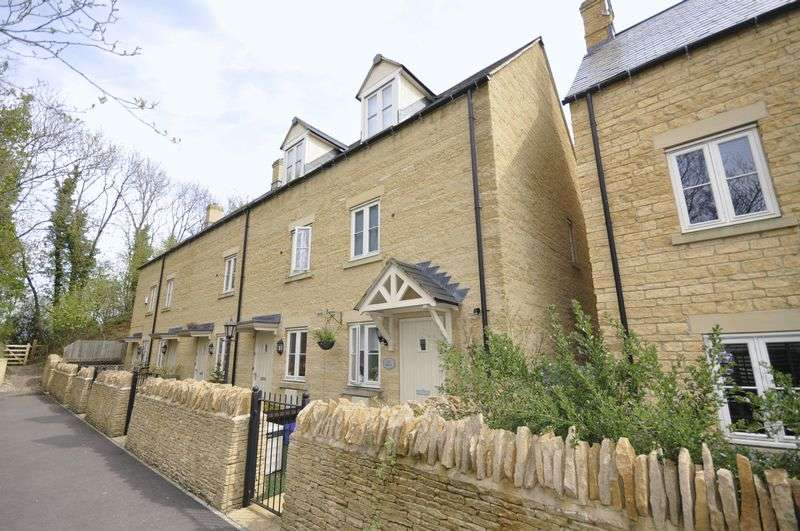 3 Bedrooms Semi Detached House for sale in Coln Gardens, Cheltenham