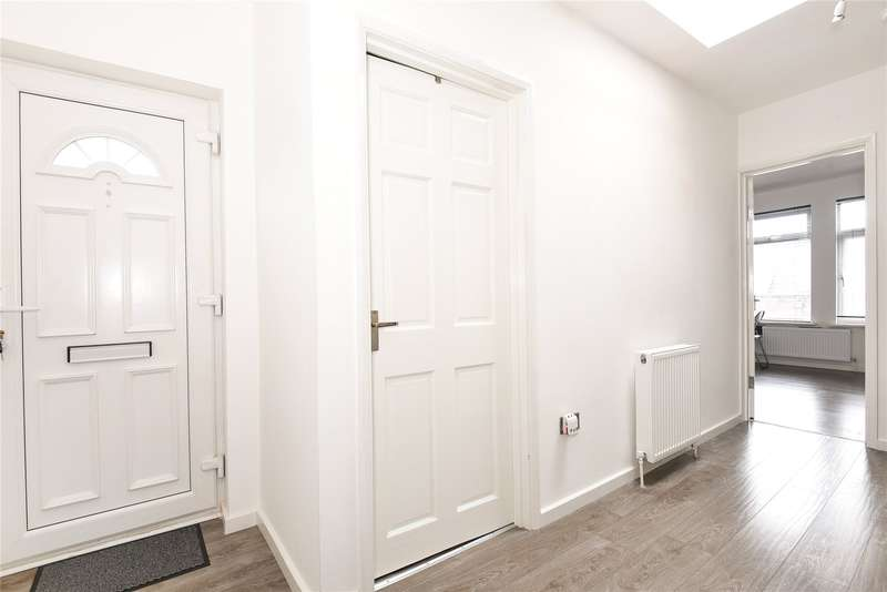 1 Bedroom Apartment Flat for sale in Victoria Road, South Ruislip, Middlesex, HA4