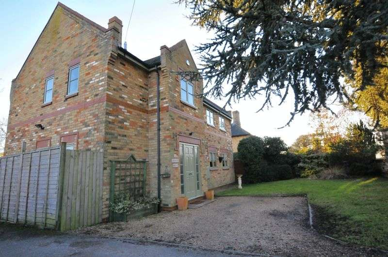 4 Bedrooms Detached House for sale in Cambridge Road, Wimpole