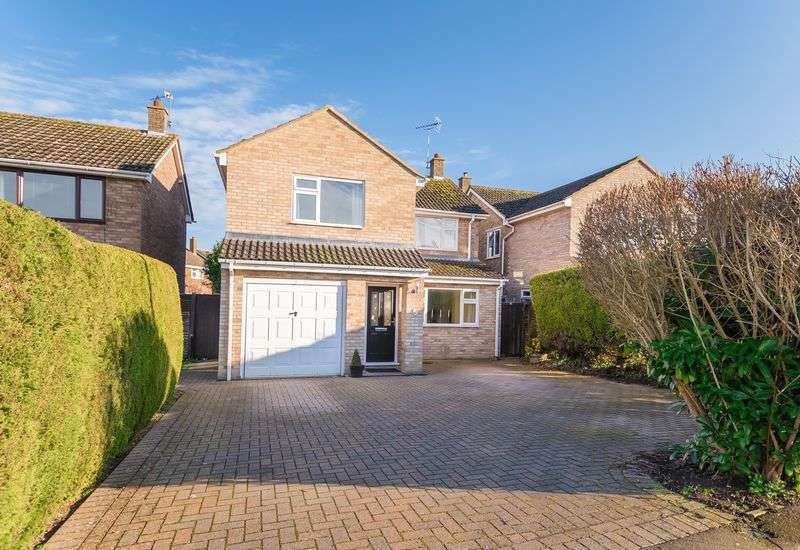 4 Bedrooms Detached House for sale in Mayfield Avenue, Grove