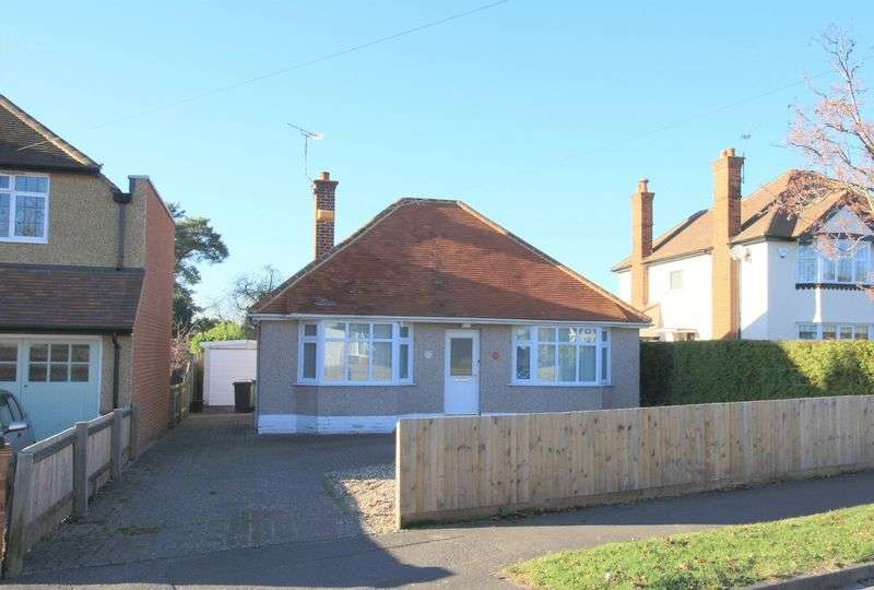 2 Bedrooms Detached Bungalow for sale in Twynham Road, Maidenhead