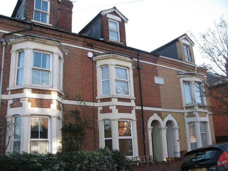 5 Bedrooms Terraced House for sale in Kingsholm, Gloucester