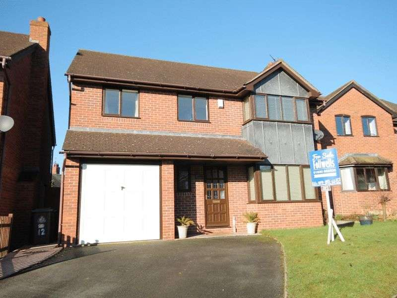 5 Bedrooms Detached House for sale in Steppes Way, Market Drayton