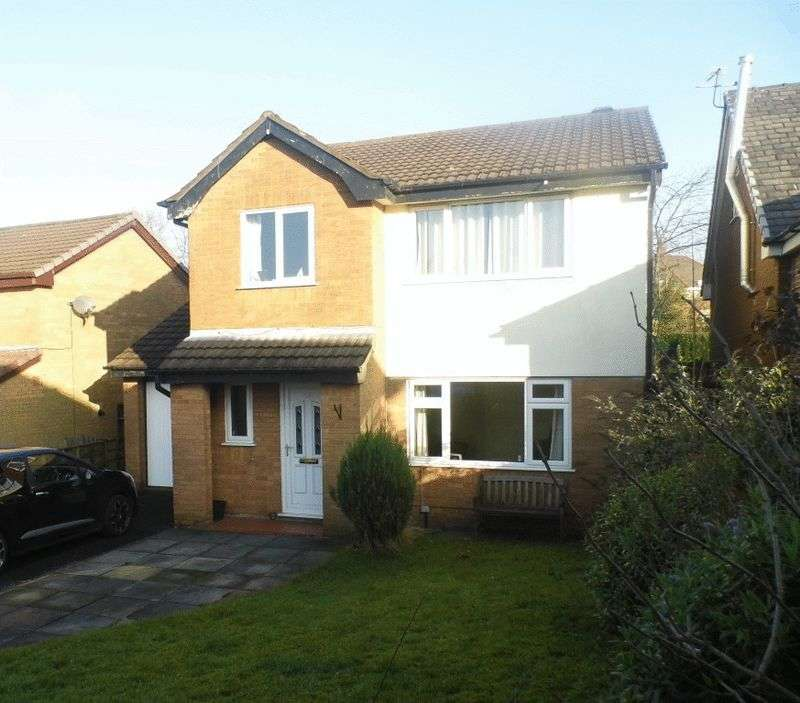 4 Bedrooms Detached House for sale in Broom Way, Westhoughton