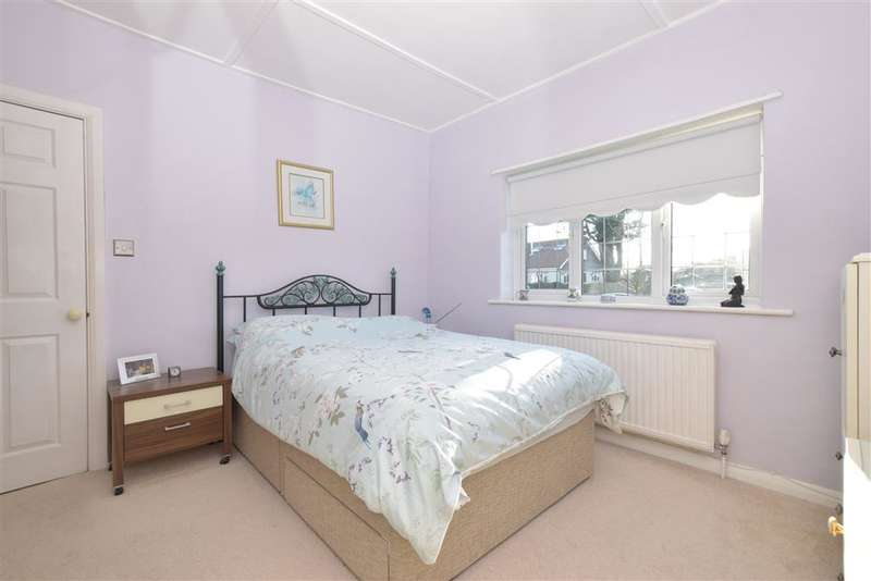 2 Bedrooms Bungalow for sale in Langbury Lane, Ferring, Worthing, West Sussex