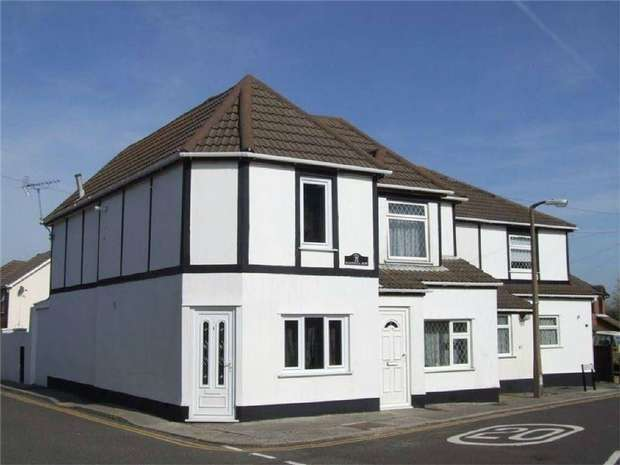 2 Bedrooms End Of Terrace House for sale in Dunford Road, POOLE, Dorset