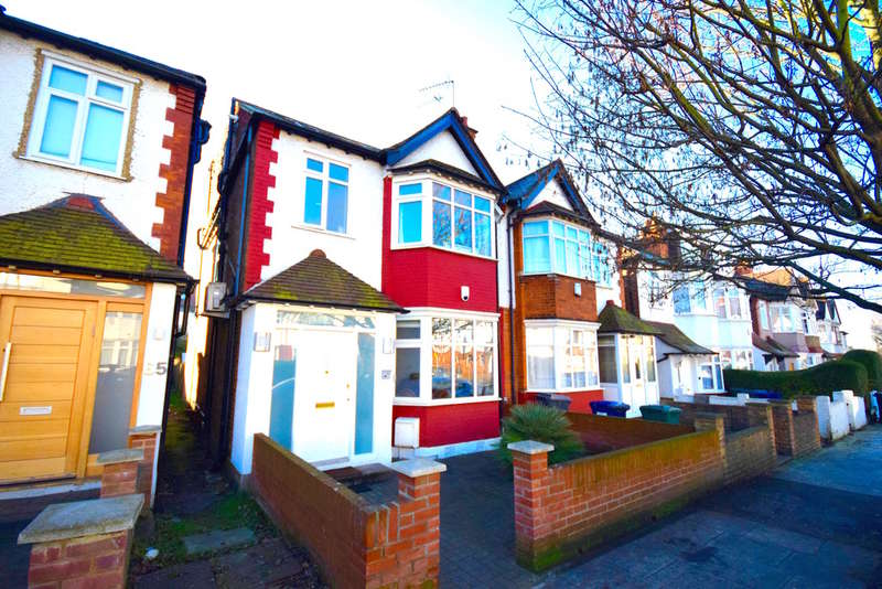 5 Bedrooms Semi Detached House for sale in LEESIDE CRESCENT, TEMPLE FORTUNE, GOLDERS GREEN, NW11