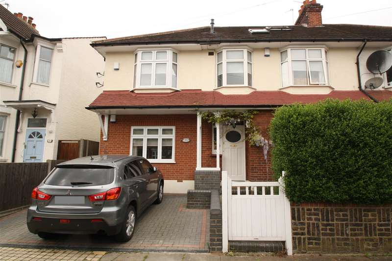 1 Bedroom Property for sale in Askew Villas, New River Crescent, London N13