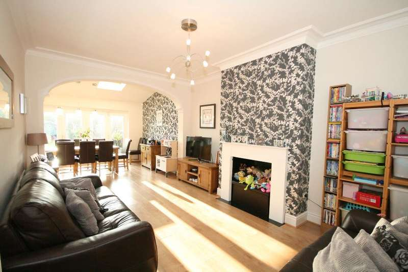 4 Bedrooms Semi Detached House for sale in Fisher Drive, Southport, PR9 7DS