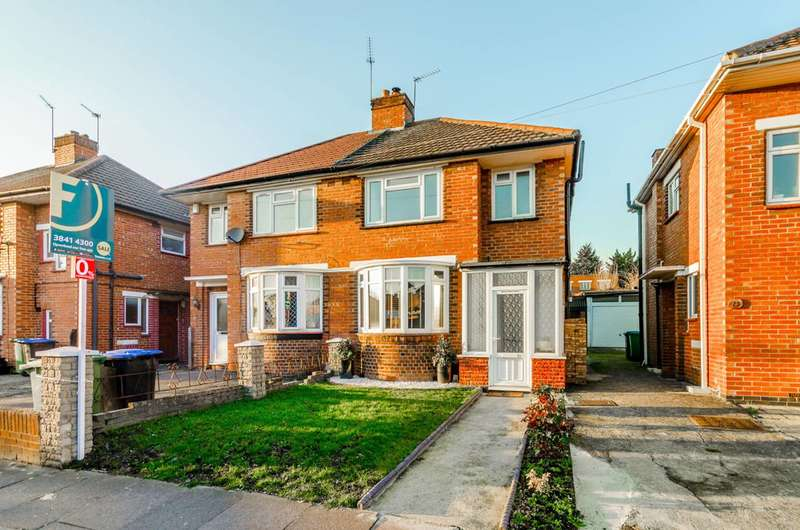 3 Bedrooms Semi Detached House for sale in Carlyon Road, Alperton, HA0