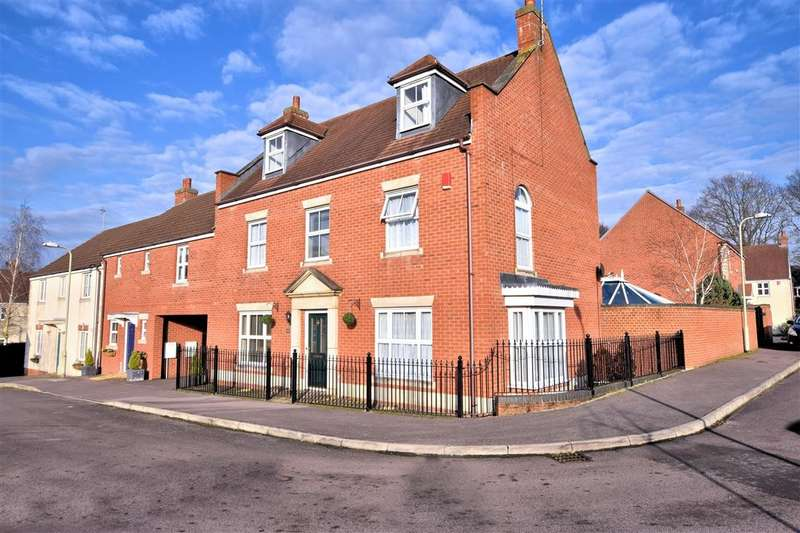 5 Bedrooms Semi Detached House for sale in Kingfisher Grove, Three Mile Cross, Reading, RG7