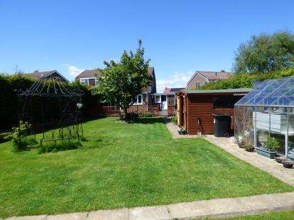 3 Bedrooms Semi Detached House for sale in Moor Crescent, Durham, DH1