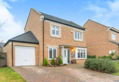 3 Bedrooms Detached House for sale in Beechwood Drive, Prudhoe, Northumberland, NE42