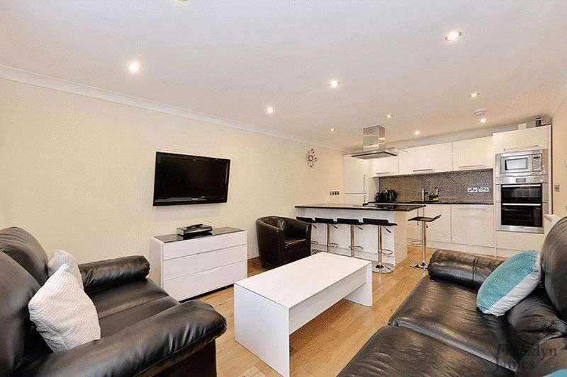 3 Bedrooms Flat for sale in Brigantine Court, Limehouse, E14