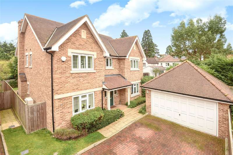 5 Bedrooms House for sale in Walnut Tree Close, Ickenham, Middlesex, UB10
