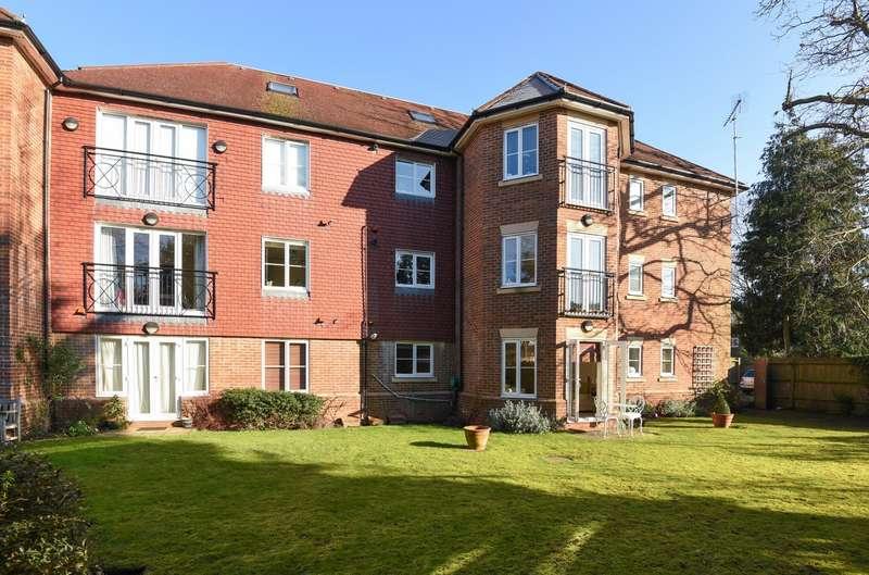 2 Bedrooms Apartment Flat for sale in Weybridge
