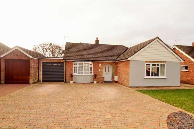 2 Bedrooms Bungalow for sale in Gainsborough Road, Prettygate, Colchester