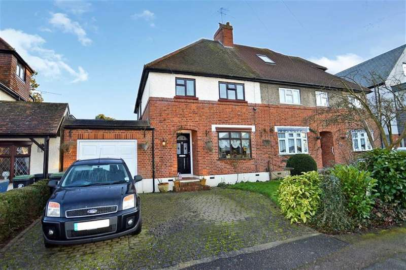 3 Bedrooms Property for sale in Bury Road, Epping