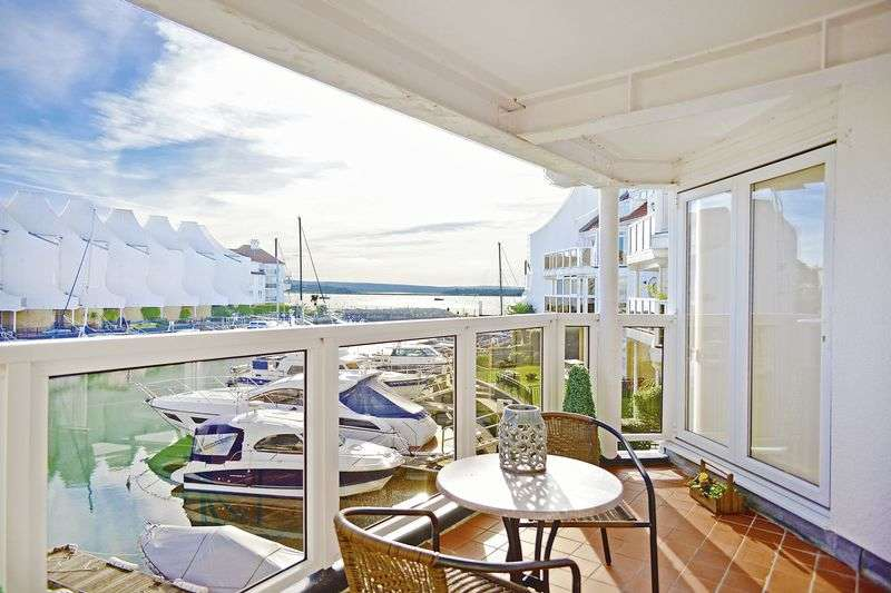 3 Bedrooms Flat for sale in Moriconium Quay, Lake Avenue, Poole BH15.