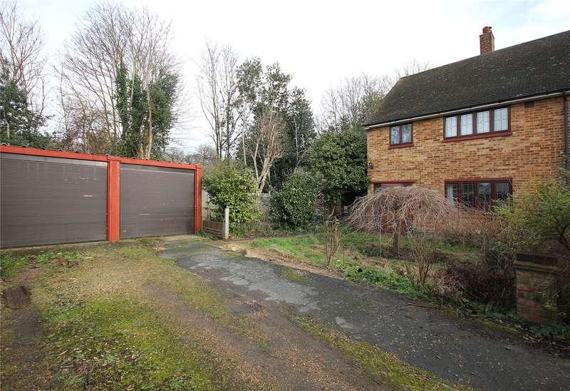 3 Bedrooms Semi Detached House for sale in Winston Way, Old Woking, Woking, Surrey, GU22