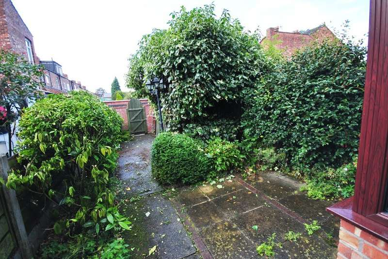 3 Bedrooms Terraced House for sale in Dale Street, Edgeley
