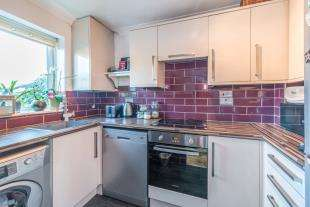 3 Bedrooms Terraced House for sale in Ruffets Wood, Gravesend, Kent, Gravesend