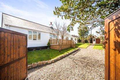 4 Bedrooms Bungalow for sale in Wadebridge, Cornwall, Wadebridge