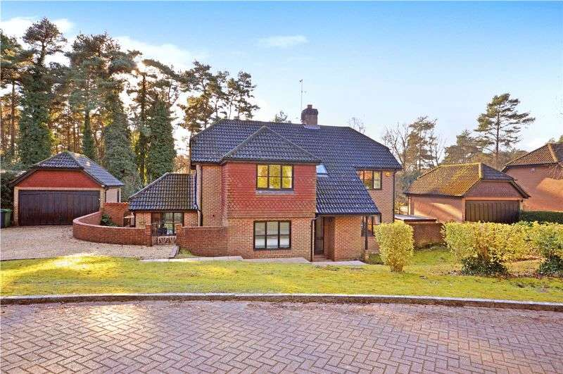 5 Bedrooms Detached House for sale in Stonedene Close, Headley Down - backing onto Ludshott Common
