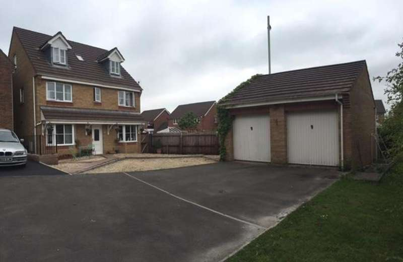 5 Bedrooms Detached House for sale in Sycamore Close, Miskin, Pontyclun