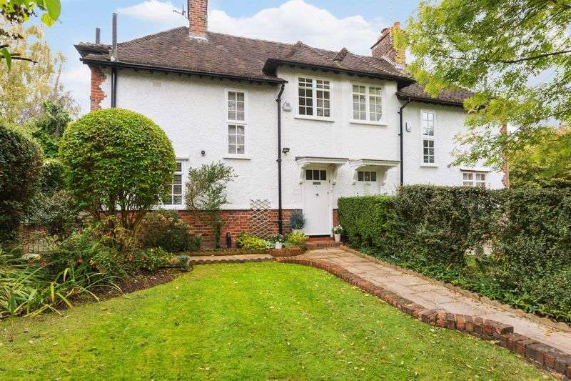 3 Bedrooms Semi Detached House for sale in Oakwood Road, Hampstead Garden Suburb, NW11