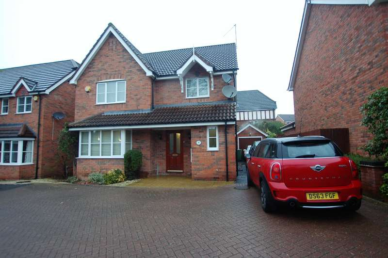4 Bedrooms Detached House for sale in Kinver Drive, Hagley, DY9 0GZ
