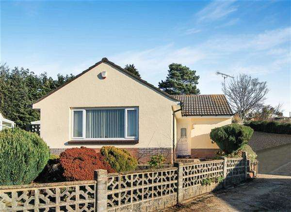 3 Bedrooms Bungalow for sale in Gussage Road, Poole