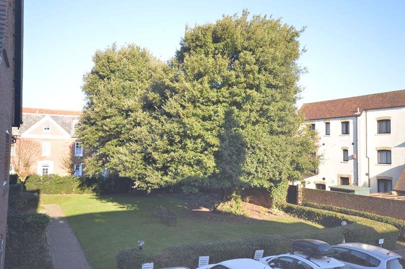 1 Bedroom Retirement Property for sale in Church Lane, Lymington