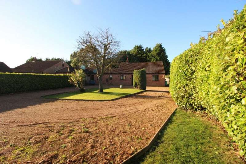 3 Bedrooms Link Detached House for sale in Tallon End, Foulden