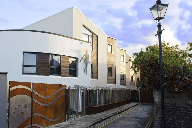 2 Bedrooms Flat for sale in Harmood Grove, NW1 8DH
