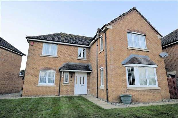 4 Bedrooms Property for sale in Homestead Close, Frampton Cotterell BS36 2FB