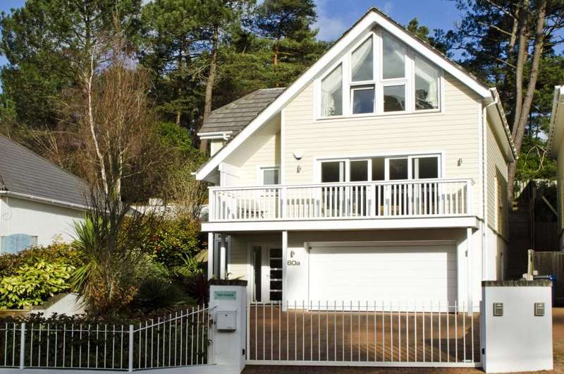 4 Bedrooms Detached House for sale in Kings Avenue, Lower Parkstone, Poole, BH14